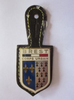 INSIGNE METAL POLICE BREST CORPS URBAIN DRAGO - Polizei
