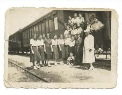 Girls.persons.railway.Trains.Yugoslavia.small Photo - Trains