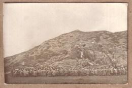 MILITARIA - GUERRE 1914-18 - CARTE PHOTO - 15 - MESSE AU FRONT D´ORIENT , LIEUTENANT ABBE CLEMENT DE BESANCON - Guerre 1914-18