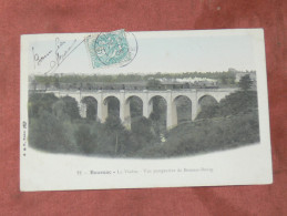 BOUSSAC BOURG   1910 LE VIADUC AVEC LE TRAIN / TRAMWAY   EDIT CIRC OUI - Boussac