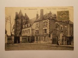 Carte Postale - ROMORANTIN (41) - La Gendarmerie - Place Du Château (466) - Romorantin