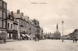 1605. CPA 80 PERONNE. GRANDE PLACE - Peronne
