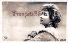 CPA Fantaisie Jolie Fille / Frau / Lady - Jeune Femme Artiste LENDER Par Reutlinger - Artist Theatre Vaudeville Paris - Artiesten