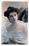 CPA Jolie Fille / Frau / Lady - Jeune Femme Artiste Line Lescot Reutlinger / Théatre Paris 1906 - Artistas