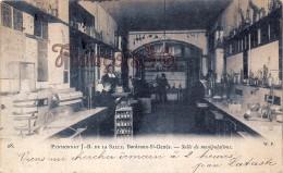 (33) Bordeaux - Ecole Saint St Genès - Pensionnat J.B De La Salle - Salle De Manipulations - 2 SCANS - Bordeaux