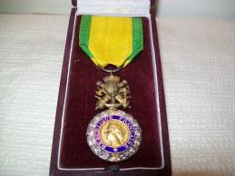 Médaille Militaire Dans Sa Boite - France