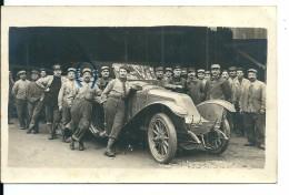 Carte Photo Automobile Et Militaires ,1917 - Voitures De Tourisme