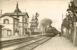 PHOTO TRAIN - 230516 -  10 ? SAINT MESMIN 140A165 Locomotive Gare Chemin De Fer - France