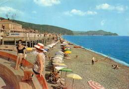 Lavagna - Rotonda E Spiaggia - Italia