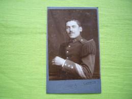 Photo CDV 19 ème Militaire En Tenue 30 Au Col épaulettes Cliché F. Damien à Thonon Les Bains - Guerre, Militaire