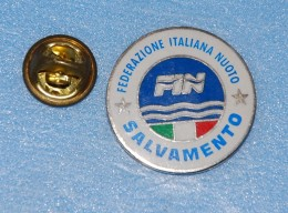 Federatione Italiana Nauto SALVAMENTO - Nuoto