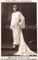 PARIS 10 Eme - S.M. La Reine Du Xe Arrondissement - Robe De Gala - Photo Darby -  Dos Vierge - 2 Scans - Arrondissement: 10