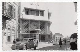 Madagascar-TANANARIVE-1952-La Poste (animée,Belle Voiture En Très Beau Plan), Cpsm 14 X 9 Photo Babel--Beau Timbre - Madagascar