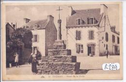 TREBOUL--PLACE DE LA CROIX - Tréboul