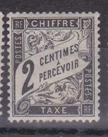 N° 11 Taxes 2 Centime à Percevoir Noir   Trace De Charnière Au Dos - Taxes