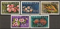 Surinam 1962 Croix-rouge Red Cross Fleurs Flowers Set Complete MNH ** - Surinam ... - 1975