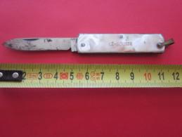 Couteau Publicitaire  De  ILE ROUSSE CORSE CORSICA .Canif-Petit Couteau  -KNIFE -SCHLASS - Couteaux