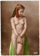 Cpsm Type De Femme De L'Afrique Du Nord ( Nue, Seins Nus ) - Nordafrika, Maghreb