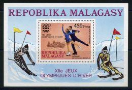 MADAGASCAR (  BLOC ) : Y&T  N°  9   BLOC  NEUF  SANS  TRACE  DE  CHARNIERE , A  VOIR . - Madagascar (1960-...)