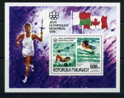MADAGASCAR (  BLOC ) : Y&T  N°  10   BLOC  NEUF  SANS  TRACE  DE  CHARNIERE , A  VOIR . - Madagascar (1960-...)