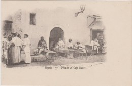 TUNISIE - BIZERTE - Devant Un Café Maure 37 - Tunisia