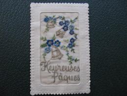 Carte Brodée - HEUREUSES PAQUES -   CLOCHES - Pâques
