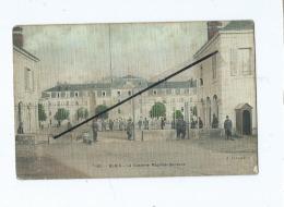 CPA  Très Tachée -  Blois  - La Caserne Maurice De Saxe  (  Militaires , Soldats  ) - Blois