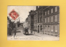 * CPA..dépt 80..AMIENS  :  Lycée De Jeunes Filles - Porte Et La Rue De Paris..n°118  :  Voir Les 2 Scans - Amiens