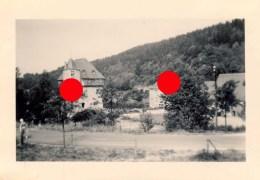 LE CHÂTEAU DE CRUPET ( Assesse ) Photographie Vers 1948 - Lieux