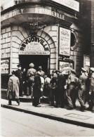 Wingmill Theater On V.E.Day 1945 - Police - Gendarmerie