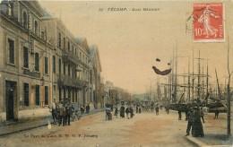 FECAMP - Quai Bérigny (carte Aspect Toilé) - Fécamp