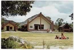 Te Aronui A Rua ( Meeting House And Pataka / Storehouse - Maori ) - New Zealand - Nieuw-Zeeland