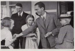 HISTORY, WW2, ADOLF HITLER MEETING FAMILY, GERMANY AWAKENS ALBUM 8, GROUP 32, IMAGE NR 197 - Histoire