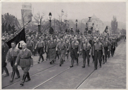 HISTORY, WW2, ADOLF HITLER AT MILITARY PARADE, ALBUM 15, GROUP 62, IMAGE 176 - Histoire