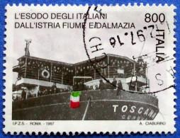 ITALY ITALIA 800 L.1997 SHIP EXODUS OF ITALIAN PEOPLE FIUME ISTRIA AND DALMATIA Mic.2544 - USED - 6. 1946-.. Republic