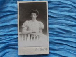 Photo CDV Chéri Rousseau à St Etienne - Portrait  Jeune Femme élégante (Marcelle Teestenoire) Vers 1900 L255 - Foto