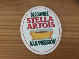 """Sous-bock """"DECOUVREZ STELLA ARTOIS A LA PRESSION"""" (dos Nu) Type 1 - Sous-bocks"""