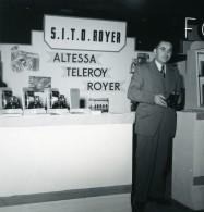 France Paris Salon Photo Ciné Son Stand Sito Royer Ancien Snapshot Amateur 1951 - Professions