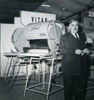 France Paris Salon Photo Ciné Son Stand Georges Vitau Sprint Ancien Snapshot Amateur 1951 - Professions
