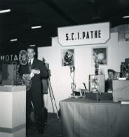 France Paris Salon Photo Ciné Son Stand Pathe Ancien Snapshot Amateur 1951 - Professions