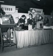 France Paris Salon Photo Ciné Son Stand Ofonor Ancien Snapshot Amateur 1951 - Professions
