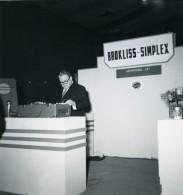 France Paris Salon Photo Ciné Son Stand Brockliss Simplex Ancien Snapshot Amateur 1951