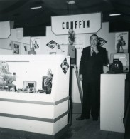 France Paris Salon Photo Ciné Son Stand Couffin Ancien Snapshot Amateur 1951 - Professions