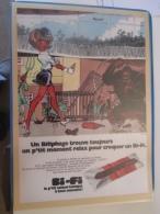 CLIP516 : PUBLICITE NATACHA AIME LES PETITES SAUCISSES ....  /  Page De Revue Tintin Ou Spirou Années 60/70 , Puis Plast - Natacha