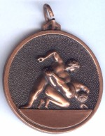 INSIGNE Médaille LUTTE WRESTLING Grande Médaille Relief En Excellent Etat - Wrestling