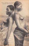 CPA DAHOMEY FEMMES DAHOMEENNES AVEC LES SEINS NUS - Dahomey
