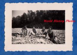 Photo Ancienne - FLAMATT - Groupe De Jeune Fille Sur La Plage - Aout 1944 - Fribourg Singine - Pin-Ups