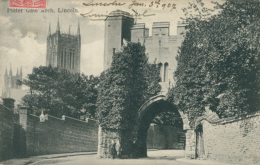 GB LINCOLN / Potter Gate Arch / - Lincoln