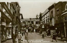 GB LINCOLN / High Street Showing The Stonebow / CARTE GLACEE - Lincoln