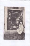 208.  TUNIS.  -  Un  Sellier - Tunisie